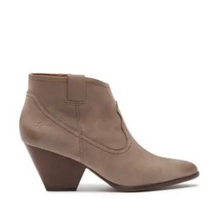 NEW $258 Frye Ankle Boot Grey 9
